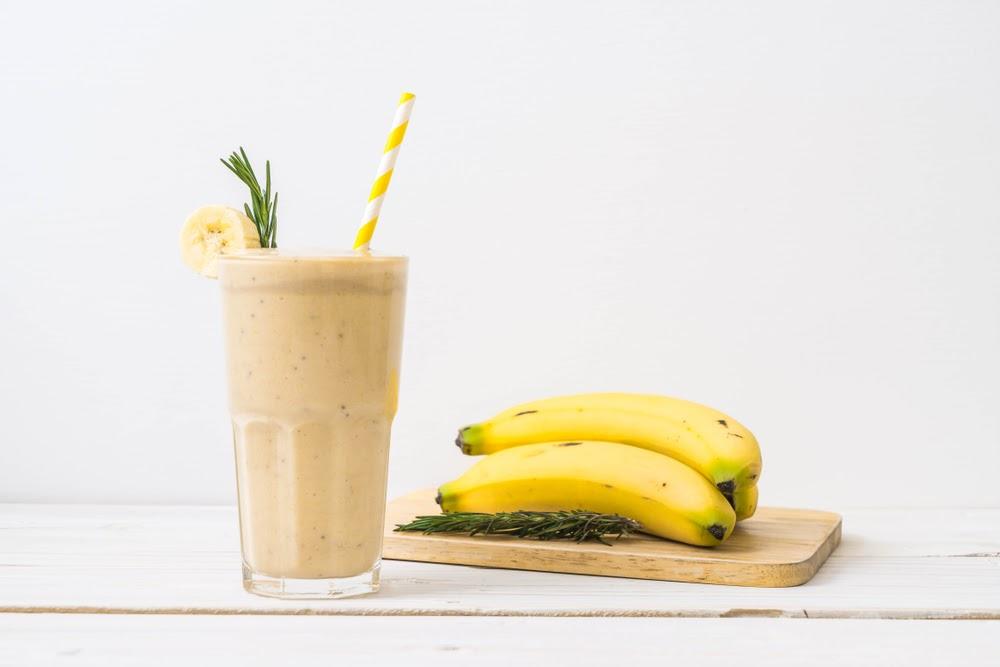 vitamina de banana com pasta de amendoim