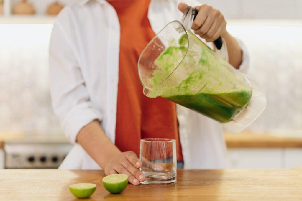 para que serve o suco detox ingredientes